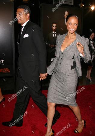 Stock Photo of Tyra Banks and boyfriend John Utendahl