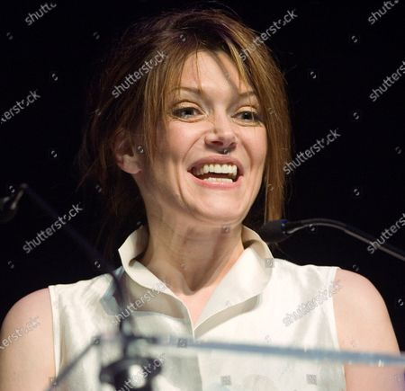 Actress Lynda Boyd presents an award at the 2nd Annual Elans, Canadian Awards for the Electronic and the Animated Arts (CAEAA) in Vancouver, British Columbia, February 15, 2007.