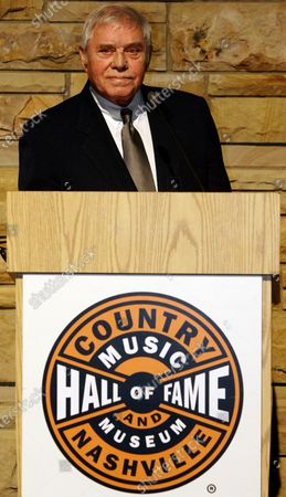 Country music legend Tom T. Hall addresses a crowd after being introduced as a 2008 Country Music Hall of Fame Inductee at the Country Music Hall of Fame in Nashville, Tennessee on February 12, 2008.