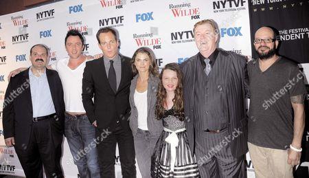 Cast of 'Running Wilde' - Mel Rodriguez, Peter Serafinowicz, Will Arnett, Keri Russell, Stefania Owen, Robert Michael Morris, David Cross