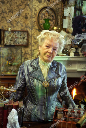 The Mazarin Stone -  Phyllis Calvert as Agnes Garrideb.