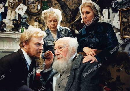 The Mazarin Stone -  Gavan O'Herlihy as John Garrideb/James Winter, Richard Caldicott as Nathan Garrideb, Phyllis Calvert as Agnes Garrideb and Barbara Hicks as Emily Garrideb.
