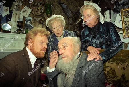 Stock Picture of The Mazarin Stone -  Gavan O'Herlihy as John Garrideb/James Winter, Richard Caldicott as Nathan Garrideb, Phyllis Calvert as Agnes Garrideb and Barbara Hicks as Emily Garrideb.