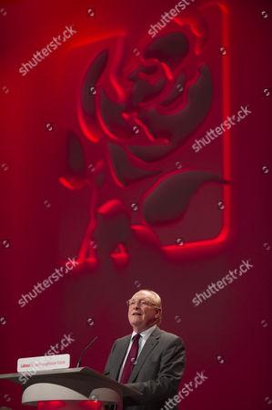 Former leader Neil Kinnock speaking about Michael Foot