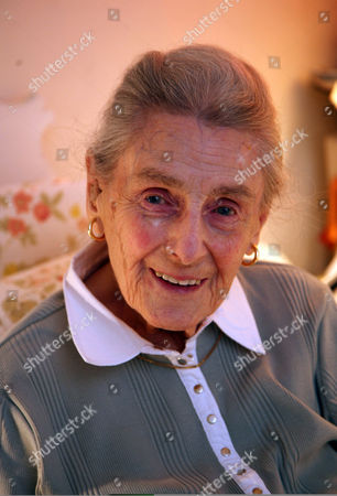 Editorial photo of War artist Eleanor Erlund Hudson at home in London, Britain - 14 Jan 2007