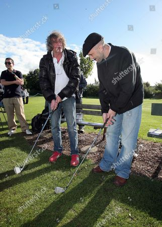 L-R Howard Marks with Cian Ciaran from band Super Furry Animals