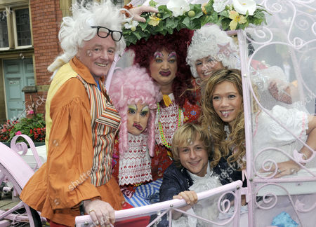 Editorial picture of 'Cinderella' pantomime photocall, Hyde Town Hall, Manchester, Britain - 29 Sep 2010