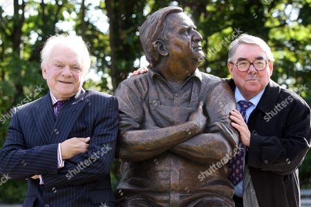 David Jason and Ronnie Corbett with the statue of Ronnie Barker