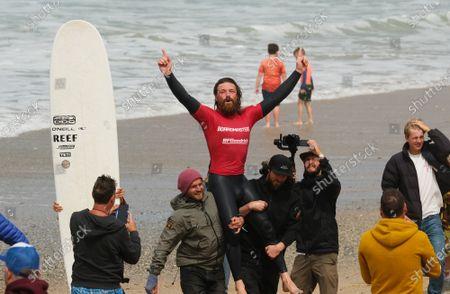 Ben Skinner wins the Boardmasters Men's Longboard. Held at Fistral Beach.