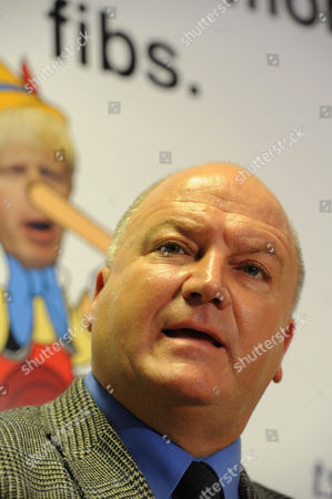 Editorial picture of Union leaders Bob Crow of the RMT and Gerry Doherty of TSSA tube strike press conference, London, Britain - 04 Oct 2010