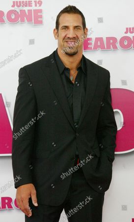 """Matthew Willig arrives for the premier of the movie """"Year One"""" at the Lincoln Square theater on June15, 2009 in New York City."""