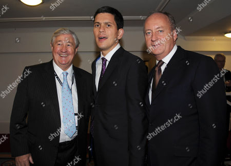 Geoffrey Robinson David Miliband And Shaun Woodward At The New Statesman Party In Brighton Last Night Picture Jeremy Selwyn Labour Party Conference Brighton 2009 27/09/2009