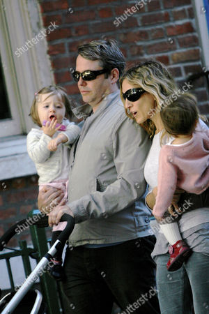 Stock Image of Sarah Jessica Parker and Matthew Broderick with twin daughters Loretta Elwell Broderick and Tabitha Hodge Broderick