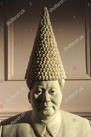 'Mao with Dunce's Cap' by Bouke de Vries, 2010