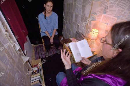 Poet Jo Shapcott does a one to one reading of her poetry