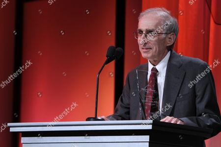 Dr. Dr. Gerald Levey