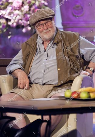 Editorial picture of 'The Alan Titchmarsh Show' TV Programme, London, Britain. - 15 Oct 2010