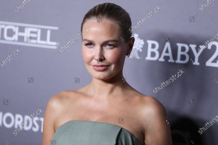 Lara Worthington arrives at the 2019 Baby2Baby Gala held at 3Labs on November 9, 2019 in Culver City, Los Angeles, California, United States.