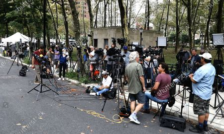 Stock Image of The media is staked out outside of the US federal courthouse in the borough of Brooklyn for the start of the R. Kelly's federal trial in New York, New York, USA, 18 August 2021. US singer R. Kelly his real name Robert Sylvester Kelly is accused of a single count of racketeering with 14 underlying acts, including sex trafficking, kidnapping, forced labor and eight counts of violating the Mann Act, which prohibits sex trafficking across state lines.