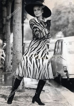 Suzie Miller (sue-louise Miller) 23 . Model Pictured Wearing A Tiger Coat With A Large Black Hat From Dior. She Was Married To Richard Burton From 1976-1982. She Was Also Married To James Hunt.