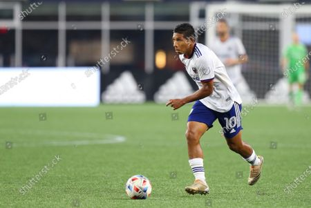 Foxborough, MA, USA; D.C. United forward Edison Flores (10) in action during an MLS match between D.C. United and New England Revolution at Gillette Stadium