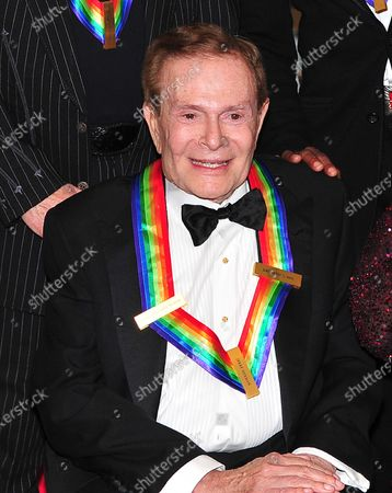 Jerry Herman, one of the 2010 Kennedy Center honorees, poses for the formal class photo with his fellow honorees following the formal Artist's Dinner at the United States Department of State in Washington, D.C. on Saturday, December 4, 2010.