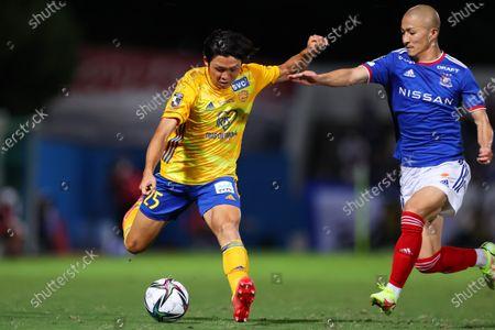 (L to R)  Takumi Mase (Vegalta),  Daizen Maeda (F. Marinos) - Football / Soccer :  2021 J1 League match  between Yokohama F. Marinos 5-0 Vegalta Sendai team  at NHK Spring Mitsuzawa Football Stadium, Kanagawa, Japan.
