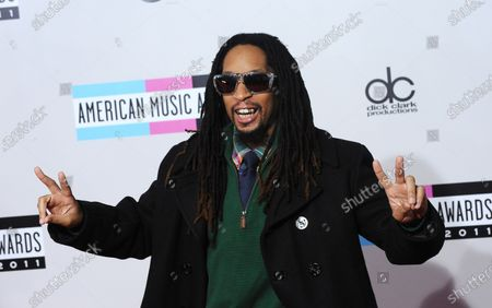 Rapper Lil John arrives at the 39th American Music Awards at Nokia Theatre in Los Angeles on November 20, 2011.