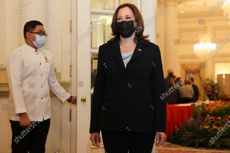 Vice President Kamala Harris, right, is pictured before a bilateral meeting with Singapore's Prime Minister Lee Hsien Loong at the Istana in Singapore