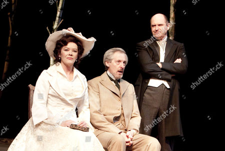 l-r: Josie Lawrence (Liubov Andreevna Ranevskaya), Patrick Drury (Leonid Andreevich Gaev), John Ramm (Lopakhin)
