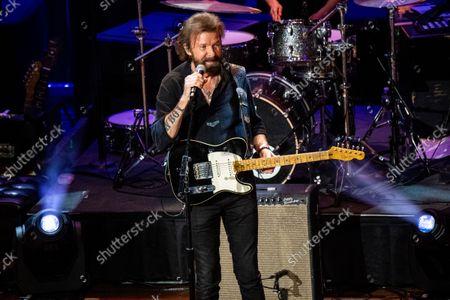 Ronnie Dunn performs at the 14th Annual ACM Honors at Ryman Auditorium, in Nashville, Tenn