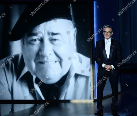 Comedian and actor Robin Williams delivers a memorial presentation for Jonathan Winters onstage during the 65th Primetime Emmy Awards held at the Nokia Theatre in Los Angeles on September 22, 2013.