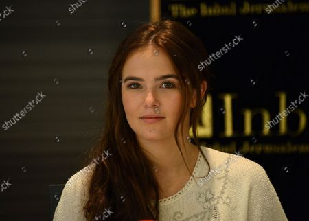 """American actress Zoey Deutch who will star in the upcoming movie """"Vampire Academy: Blood Sisters"""" takes part in a press conference about her experience in Israel, at the Inbal Hotel in Jerusalem, Israel, October 6, 2013. Deutch and her family are part of a delegation of American film and television actors who are visiting Israel with """"America's Voices in Israel""""."""