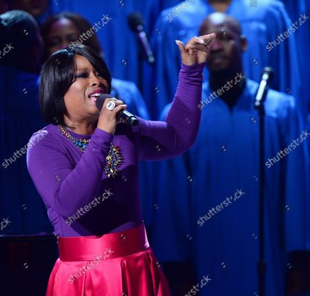 Arkistokuva kohteesta Singer Maurette Brown Clark performs onstage during BET's 13th annual Celebration of Gospel at the Orpheum Theatre in Los Angeles  on March 15, 2014.
