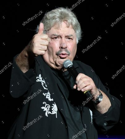 Stock Image of Tony Orlando performing at Cousin' Brucie's Palisades Park reunion at PNC Bank Arts Center. August 26, 2021.