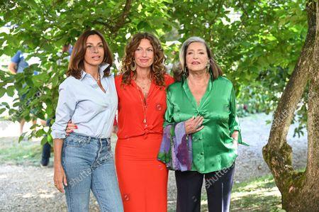 Aure Atika ; Aurelie Saada ; Francoise Fabian