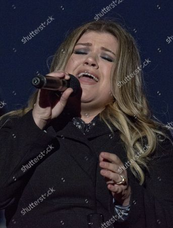 Singer Kelly Clarkson performs at the National Christmas Tree Lighting on the Ellipse in Washington, DC on Thursday, December 1, 2016. United States President Barack Obama, first lady Michelle Obama and Sasha Obama pushed the ceremonial button to light the National Christmas Tree.