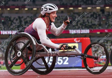 Tatyana Mcfadden USA celebrates as she crosses the line to win the 4 x 100m Universal Relay Final at the Olympic Stadium. Tokyo 2020 Paralympic Games, Tokyo, Japan, Friday 03 September 2021.