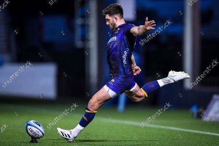 Stock Picture of Worcester Warriors vs Connacht. Worcester Warriors' Owen Williams takes a kick