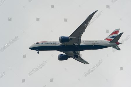 A British Airways Boeing 787-8 Dreamliner aircraft. t was a busy morning with aircraft arrivals coming into land at London Heathrow flying over Windsor. Michael O'Leary, Chief Executive of Ryanair has called for the Covid-19 Traffic Light System for passengers to be scrapped. The Government System has been criticised as it is causing confusion as to whether passengers need to self isolate
