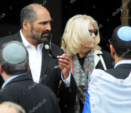 Former Pittsburgh Steelers Franco Harris exits the Rodef Shalom Temples following the funeral services for brothers Cecil and David Rosenthal in Pittsburgh on October 30, 2018. The brothers where victims of the mass shooting where a gunman kill 11 people at the Tree of Life Synagogue.