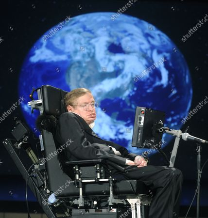 """Physicist Stephen Hawking, seen in this April 21, 2008 file photo, delivers a lecture entitled """"Why We Go into Space"""" as a part of a lecture series honoring NASA's 50th Anniversary, at the George Washington University in Washington, has died at his home in Cambridge, England early March 14, 2018. He was 76."""
