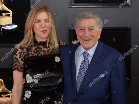 (L-R) Diana Krall and Tony Bennett arrive for the 61st annual Grammy Awards held at Staples Center in Los Angeles on February 10, 2019.
