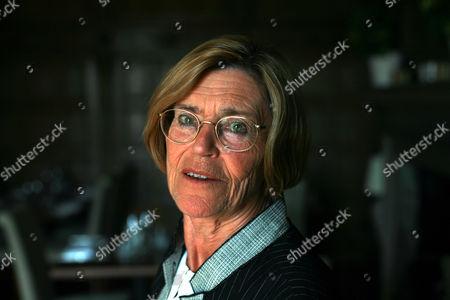 Dr Penelope Leach