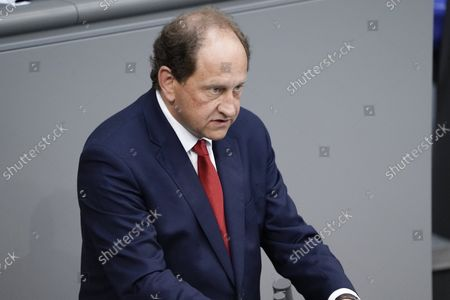 Alexander Graf Lambsdorff during his speech Motion on the agenda at the 239th session of the German Bundestag in Berlin