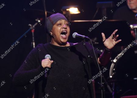 Lisa Fischer performs at the Fourth Annual LOVE ROCKS NYC Benefit Concert For God's Love We Deliver at the Beacon Theatre on Thursday, March 12, 2020 in New York City.