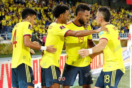 Colombia's Miguel Borja (2-R) celebrates with his teammates after scoring during the soccer match of the South American qualifiers for the Qatar 2022 World Cup between Colombia and Chile, at the Metropolitano Stadium in Barranquilla, Colombia, 09 September 2021.