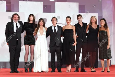 The director Yvan Attal and cast : Ben Attal, Charlotte Gainsbourg, Suzanne Jouannet, Audrey Dana during the Red carpet