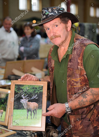 Stock Photo of Johnny Kingdom selling signed prints of the Emperor of Exmoor Stag