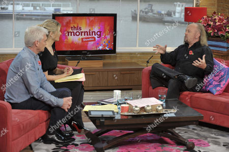 Phillip Schofield and Holly Willoughby with Bill Bailey